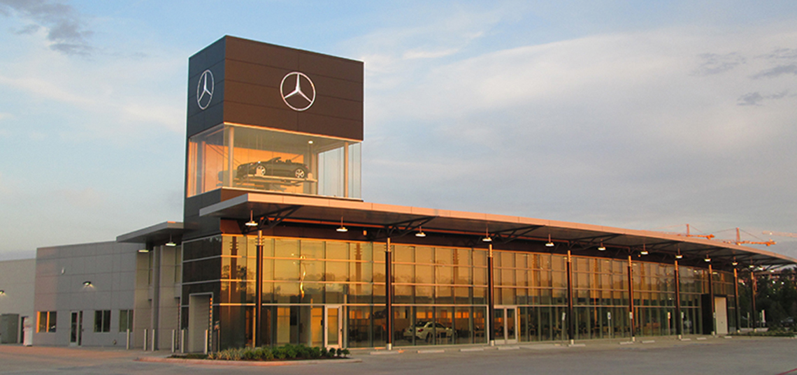 Jewel box display woodlands mercedes texas parkplus for Mercedes benz of the woodlands